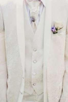 Свадебный костюм белый в Москве Фото 1