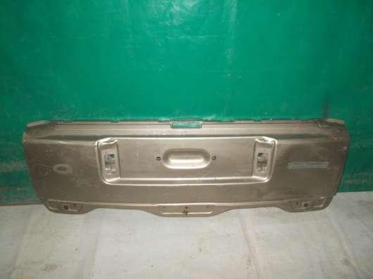 Крышка багажника нижняя часть Land/Range Rover Voque