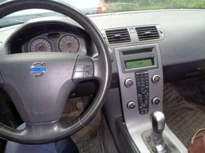 автомобиль Volvo S40