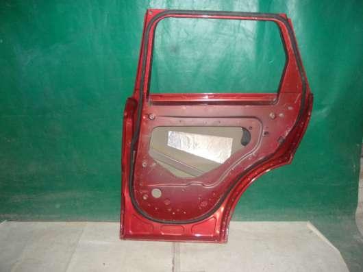 Дверь Range Rover Sport красная
