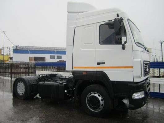 тягач МАЗ-5440В9-1420-031