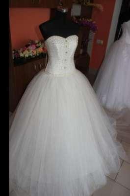 Свадебные платья в ассортименте
