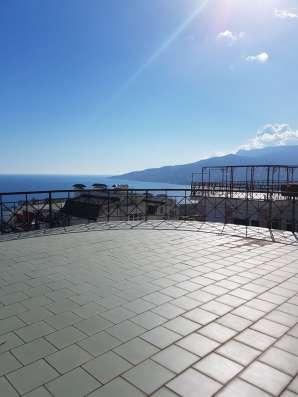 Продам пентхаус в г. Ялте с панорамой на море и горы в новом в г. Ялта Фото 1