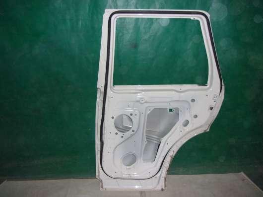 Правая задняя дверь Land Rover Sport(05-13 гг.)