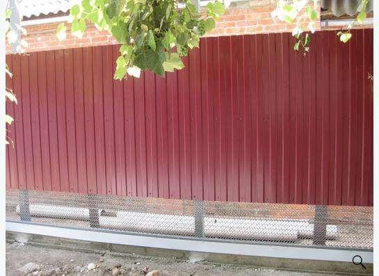 Заборы из профнастила, сетки Рабица, решетчатые.