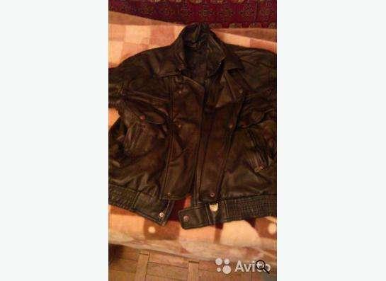 кожанная куртка черного цвета